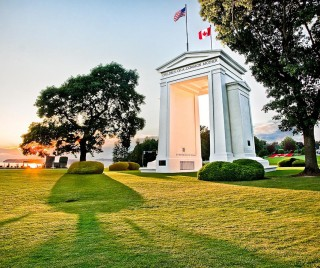 peace arch photo